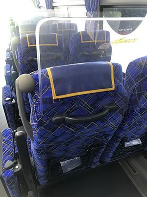 弊社使用バス内部の飛沫感染対策